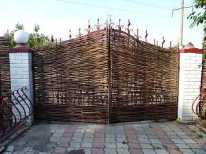плетеные декоративные ворота
