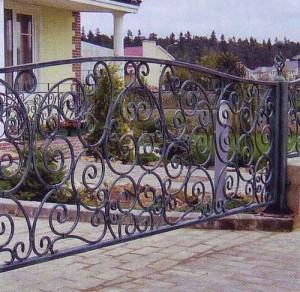 кованая ограда на даче