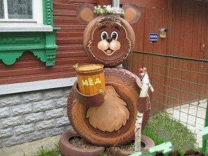 декоративная фигура медвежонка