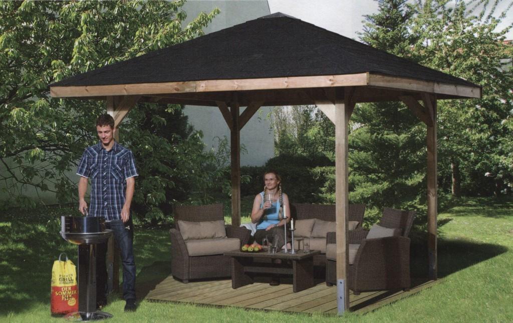 Стильная беседка с садовой мебелью