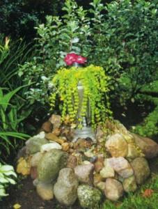 Оригинальное украшение сада