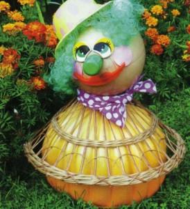 Клоун в ажурной накидке