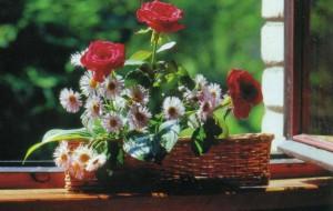 Красивая корзинка с цветами