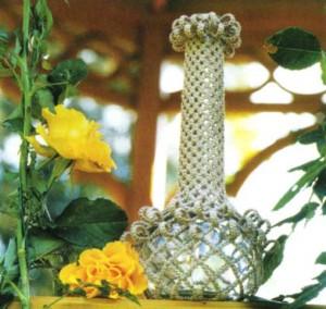 Садовая ваза-колба