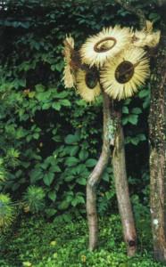 Необычная композиция для сада