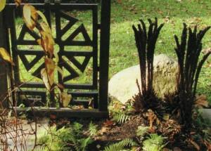Украшение в саду