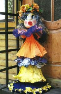 Садовая кукла Модница