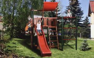 Детская площадка с турником