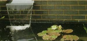 Устройство декоративного водоема