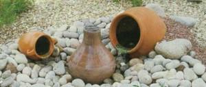 Декоративный фонтан в виде горшков