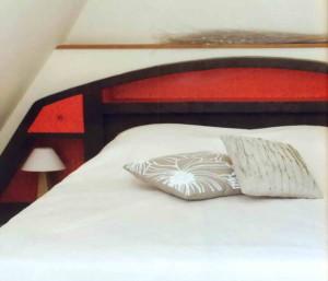 Изголовье для кровати из картона
