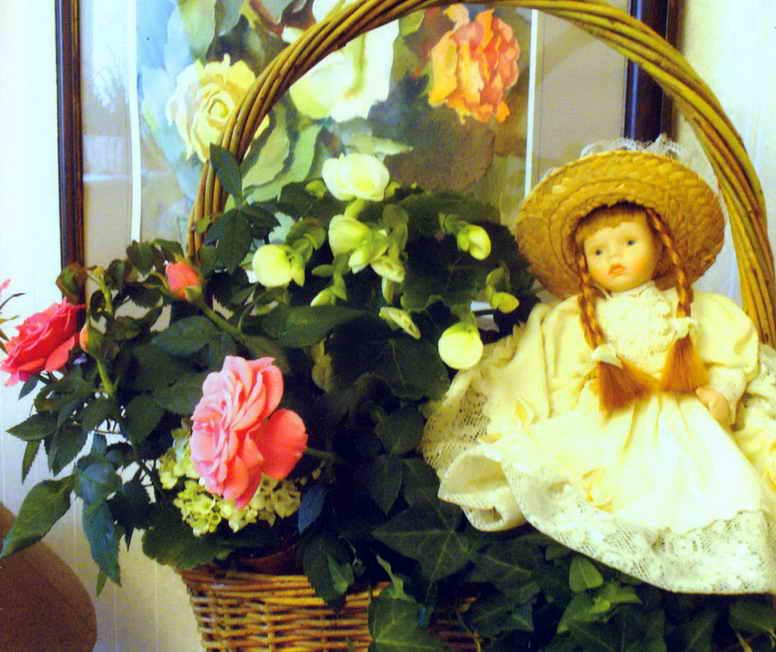 Романтичное украшение интерьера с розами и бегониями