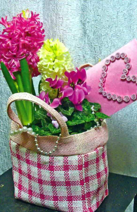 Цветочная композиция на День влюбленных