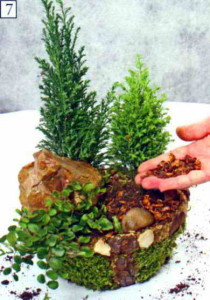 Декорируем камнями и орешками
