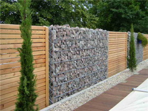 Дизайн ограждения загородного дома
