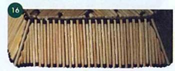 Боковые грани тарелки заклеиваем спичками